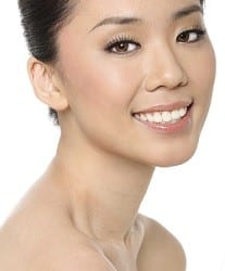 Asian woman with ling neck